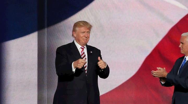 US-Präsident Donald Trump neben Vizepräsident Mike Pence
