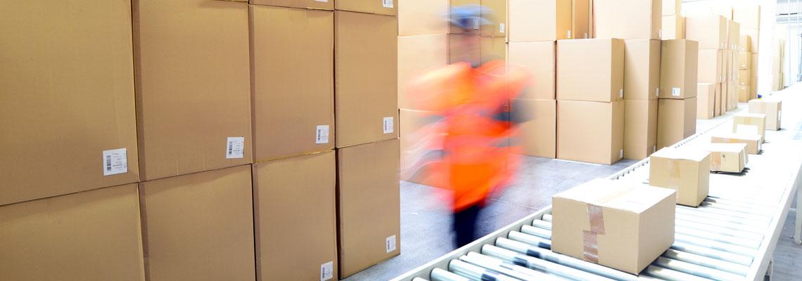 Güter mit Transportverpackungen im Lager