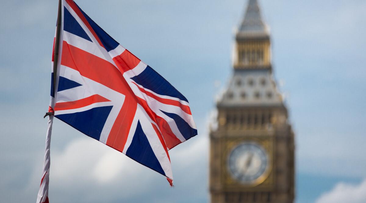 england flag with big ben