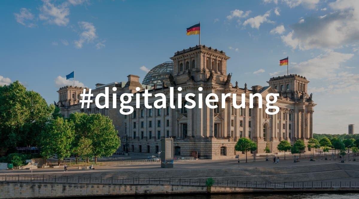 Reichstagsgebäude im Sommer